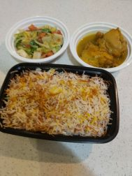 آشپزخانه طبخ انواع غذاهای ایرانی و ترشیجات.